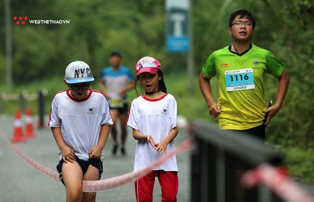 Trang An Marathon 2018: Những bước chân tí hon giữa thánh địa của Tướng Cờ Lau - Ảnh 12.