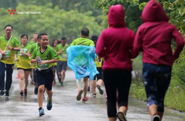 Trang An Marathon 2018: Những bước chân tí hon giữa thánh địa của Tướng Cờ Lau - Ảnh 1.