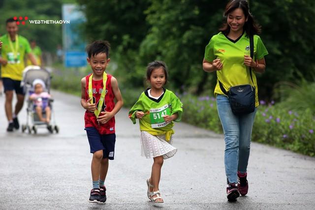 Trang An Marathon 2018: Những bước chân tí hon giữa thánh địa của Tướng Cờ Lau - Ảnh 7.