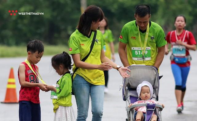 Trang An Marathon 2018: Những bước chân tí hon giữa thánh địa của Tướng Cờ Lau - Ảnh 13.