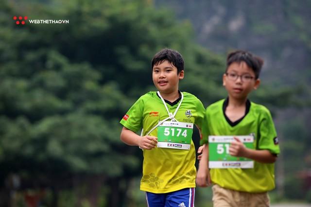 Trang An Marathon 2018: Những bước chân tí hon giữa thánh địa của Tướng Cờ Lau - Ảnh 14.
