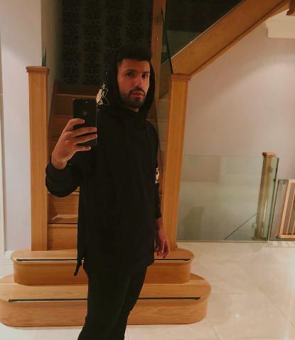 Cầu thủ bóng đá cũng phát cuồng vì sự kiện ra mắt iPhone 2018 - Ảnh 13.