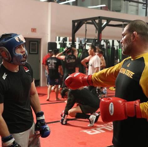 Cain Velasquez và Luke Rockhold giúp Khabib chuẩn bị trận đấu với Conor - Ảnh 5.