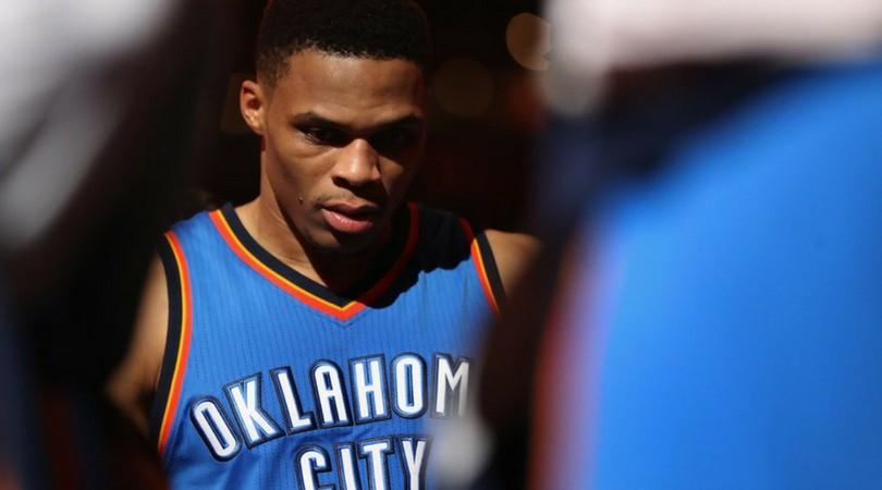 Russell Westbrook phải mổ đầu gối, CĐV Oklahoma City Thunder đứng ngồi không yên? - Ảnh 1.