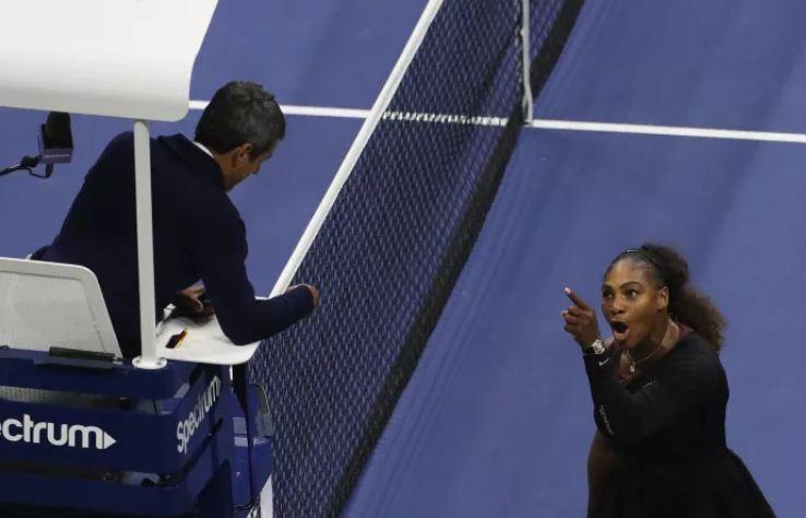 Stephen Curry xoa dịu  Serena Williams sau chung kết Mỹ Mở Rộng - Ảnh 1.