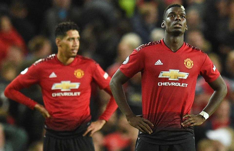 Cặp đôi vàng Sanchez - Lukaku sẽ cứu ghế HLV Mourinho bằng chiến thắng trước Burnley? - Ảnh 1.