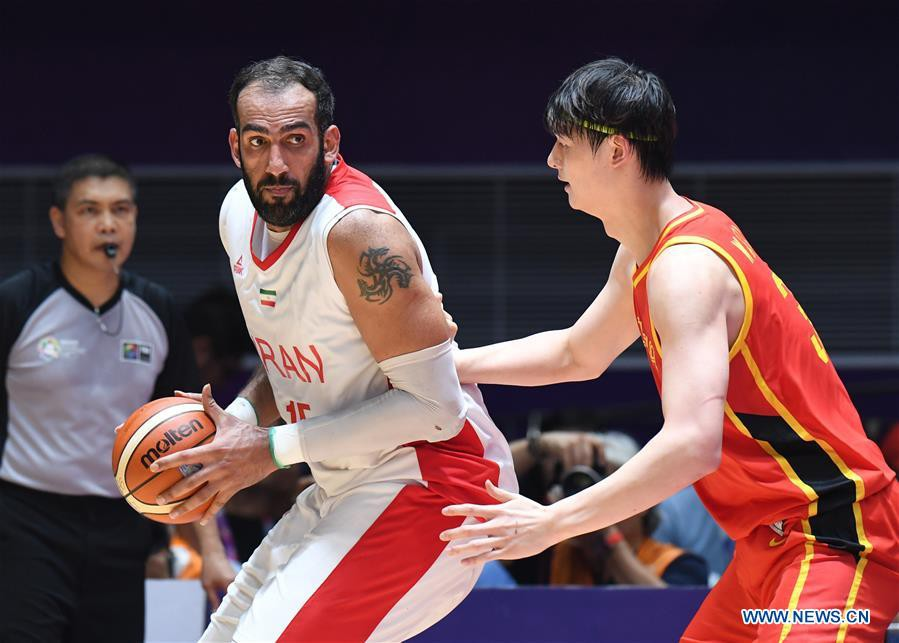 Chung kết bóng rổ ASIAD: Zhou Qi bị phong tỏa, Trung Quốc vẫn xuất sắc vượt vũ môn vô địch châu Á - Ảnh 1.