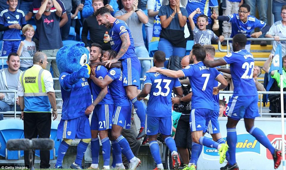 Thống kê siêu khủng của Pháo hai nòng và Top 5 điểm nhấn trận Arsenal - Cardiff City - Ảnh 10.