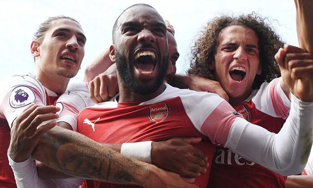 Thống kê siêu khủng của Pháo hai nòng và Top 5 điểm nhấn trận Arsenal - Cardiff City - Ảnh 3.