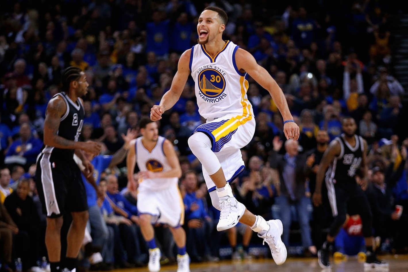 Những huyền thoại mà Stephen Curry sẽ vượt qua nếu tiếp tục hủy diệt NBA mùa tới - Ảnh 1.