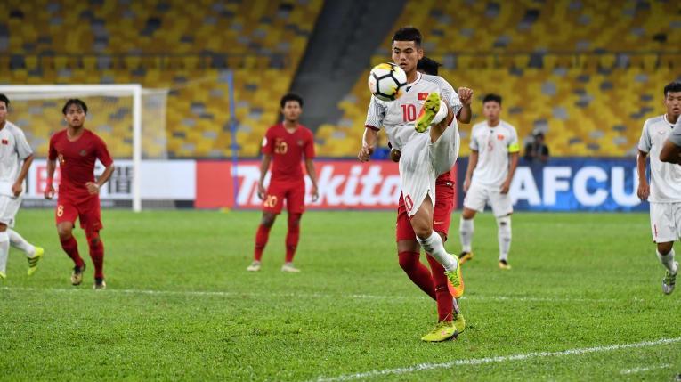 """Từ thành tích của U19 Việt Nam: Năm """"hạn"""" của bóng đá trẻ! - Ảnh 1."""