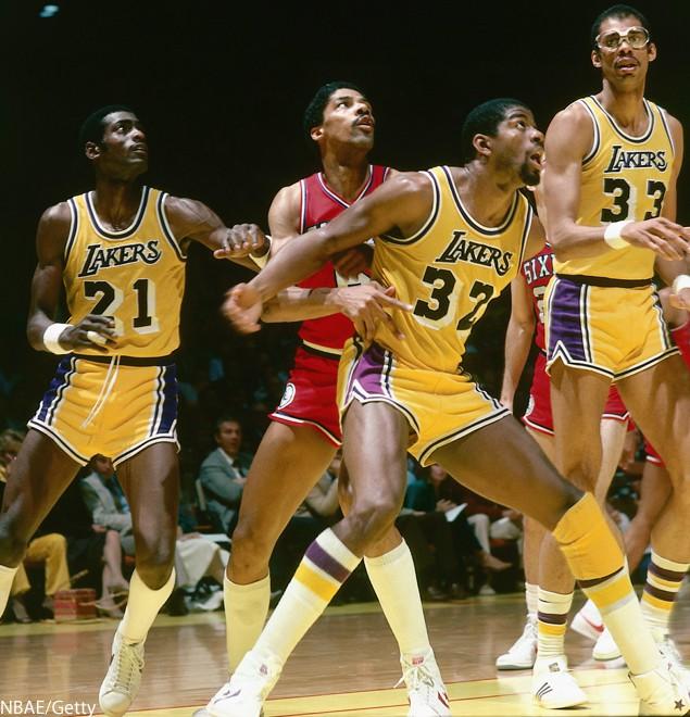 Gợi nhớ về Los Angeles Lakers và thảm hoạ thời trang mang tên quần siêu ngắn - Ảnh 1.