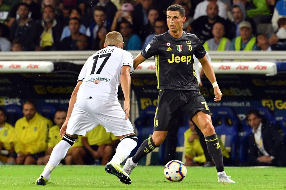 Sau màn tâng bốc, Ronaldo bắt đầu bị truyền thông Italia tấn công vì tịt ngòi - Ảnh 5.