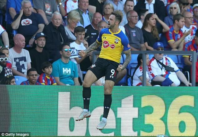 Top 5 bản hợp đồng gây choáng váng với màn ra mắt ấn tượng ở Ngoại hạng Anh 18/19 - Ảnh 8.