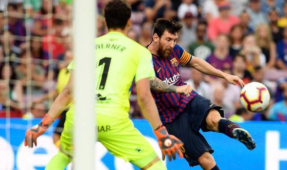 Khi Ronaldo tịt ngòi, Messi bùng nổ khó tin như để mỉa mai giải FIFA The Best 2018  - Ảnh 3.