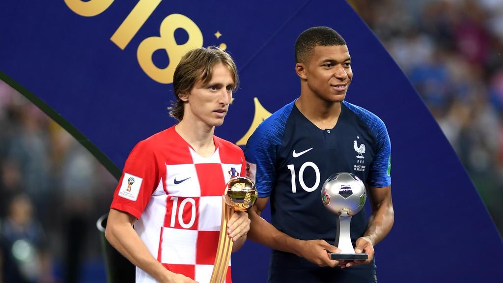 Modric đang vượt cả Ronaldo và Salah trong cuộc bầu chọn Cầu thủ xuất sắc nhất năm của FIFA - Ảnh 4.