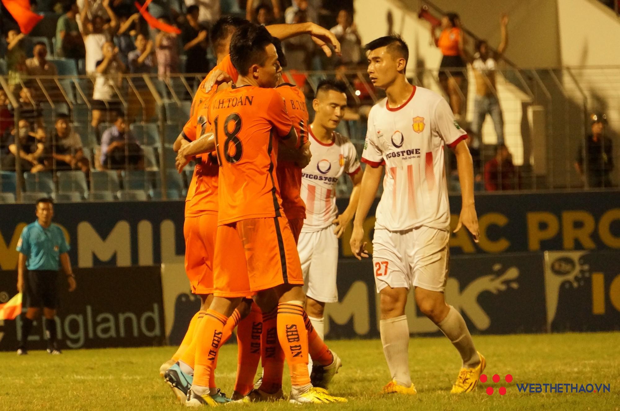 """Nam Định """"chạy cơm từng bữa"""" cho cuộc chiến trụ hạng V.League 2018 - Ảnh 3."""