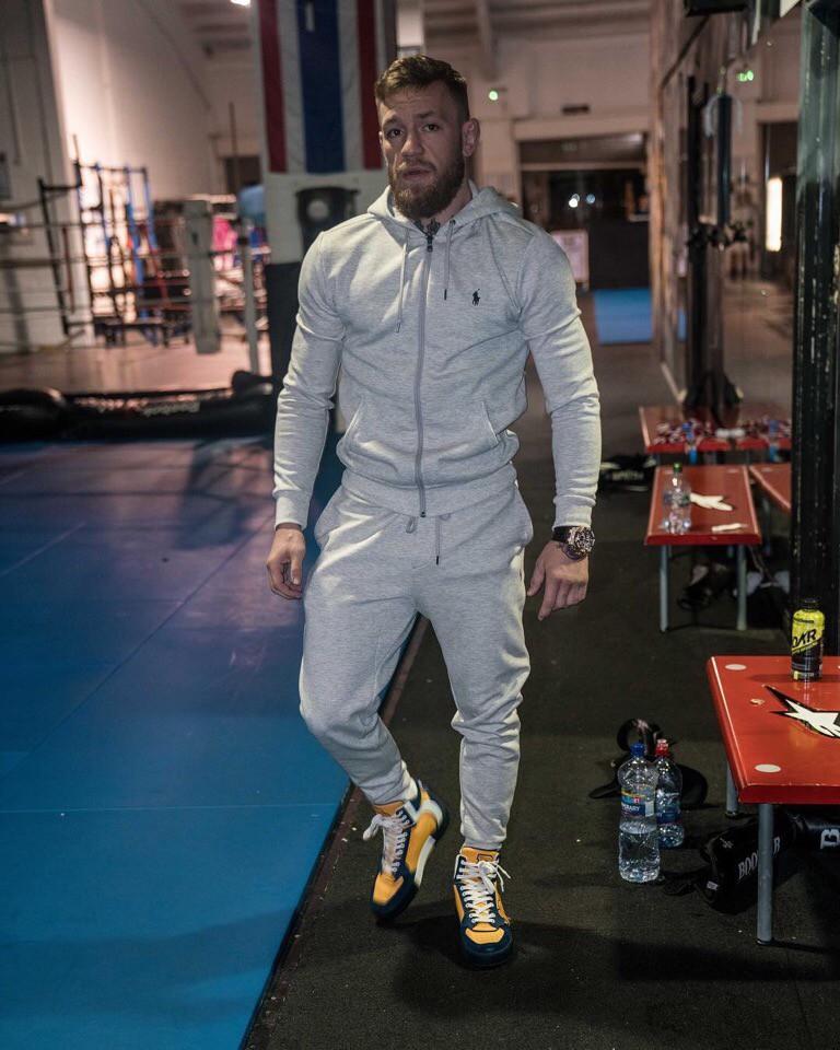 Cận cảnh Conor McGregor luyện công cho trận đấu với Khabib Nurmagomedov  - Ảnh 12.