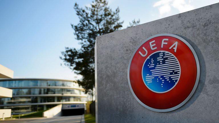 Barca, Arsenal, Man Utd và các CLB lớn hưởng lợi khi UEFA thay đổi luật chuyển nhượng - Ảnh 1.
