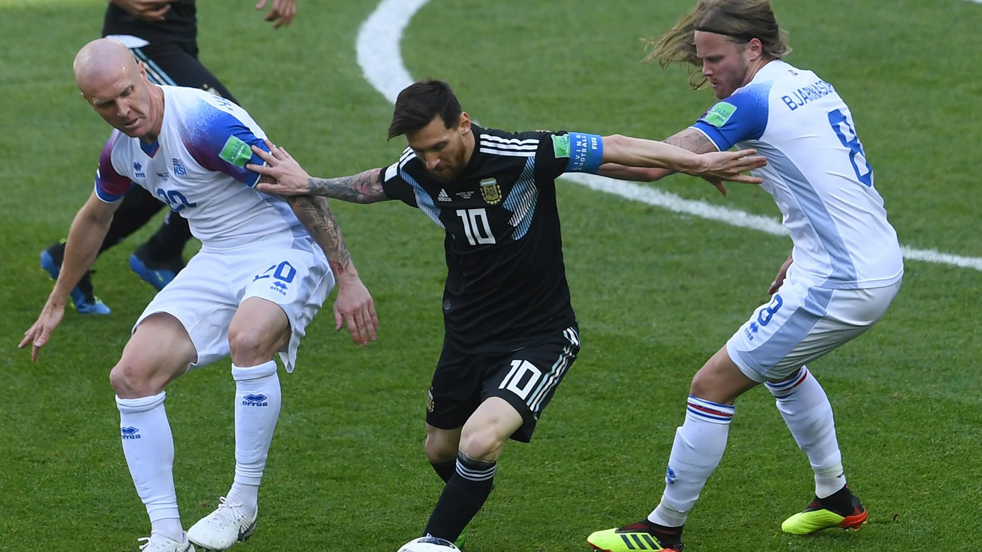 Messi được giải oan sau những chỉ trích chỉ... đi bộ đá bóng - Ảnh 6.