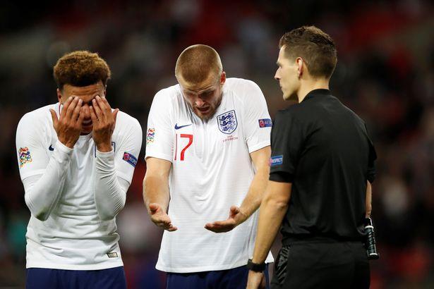 Tranh cãi nổ ra ở trận Anh - Tây Ban Nha vì bàn thắng ma của Welbeck - Ảnh 6.