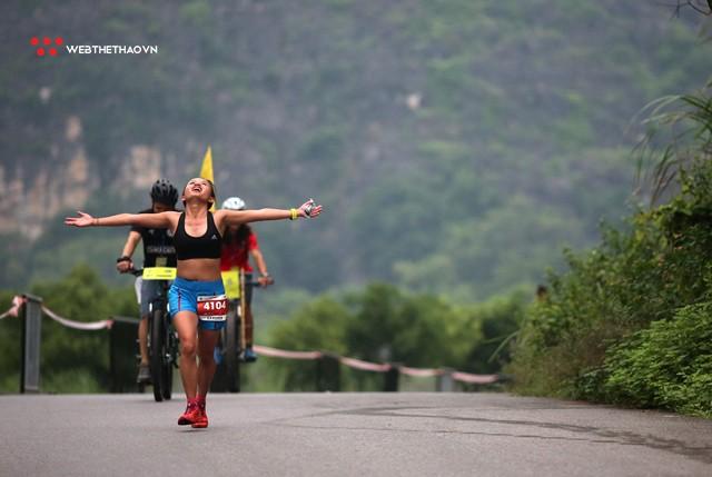 Tràng An Marathon 2018: Những nụ cười và niềm hạnh phúc trong mưa - Ảnh 11.