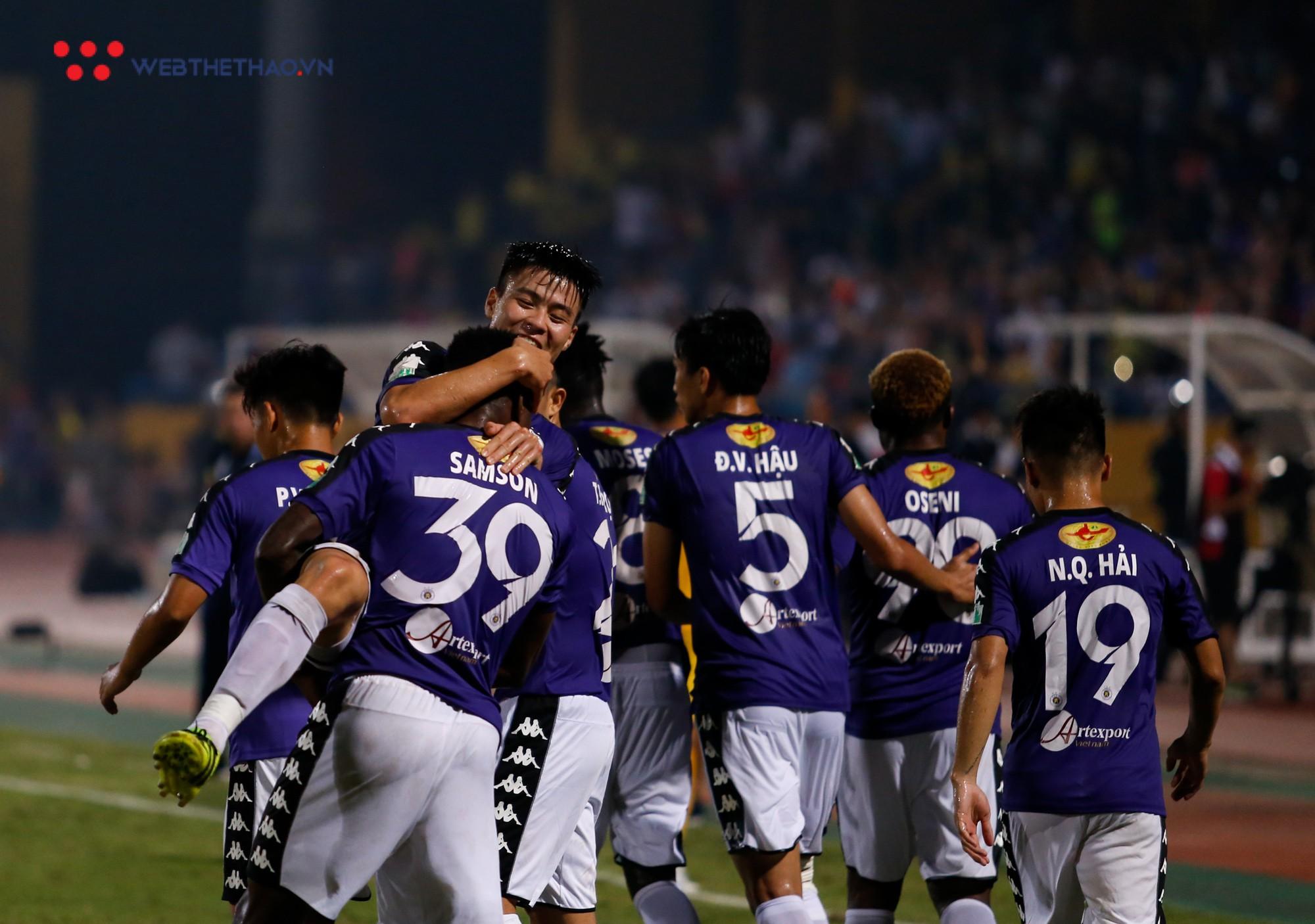 HLV trưởng Hà Nội FC: Chúng tôi không buông xuôi 5 trận còn lại dù đã vô địch - Ảnh 3.