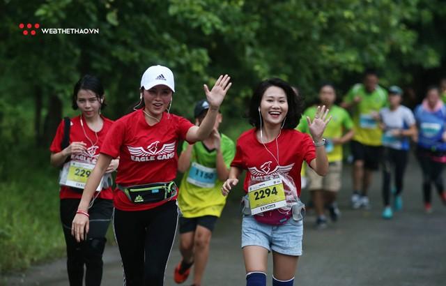 Tràng An Marathon 2018: Những nụ cười và niềm hạnh phúc trong mưa - Ảnh 9.