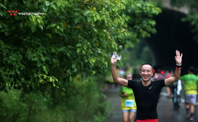 Tràng An Marathon 2018: Những nụ cười và niềm hạnh phúc trong mưa - Ảnh 16.