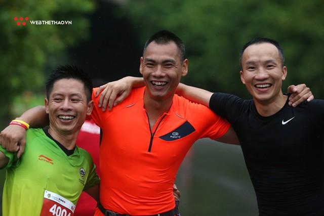Tràng An Marathon 2018: Những nụ cười và niềm hạnh phúc trong mưa - Ảnh 15.
