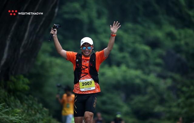 Tràng An Marathon 2018: Những nụ cười và niềm hạnh phúc trong mưa - Ảnh 7.
