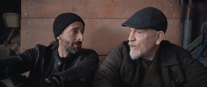 ''Tên trộm'' John Malkovich (phải) đang kể chuyện đời