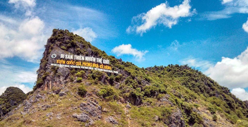 3.Vườn quốc gia Phong Nha - Kẻ Bàng (Quảng Bình) lần thứ hai được UNESCO công nhận là Di sản Thiên nhiên Thế giới và là di sản Thiên nhiên Thế giới duy nhất tại Việt Nam đến thời điểm này đạt 3 tiêu chí  về đa dạng sinh học.