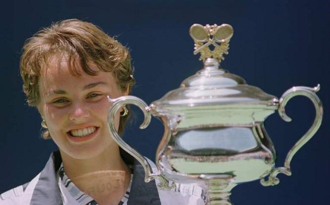 Hingis với Grand Slam đầu tiên ở Australian Open khi mới 16 tuổi