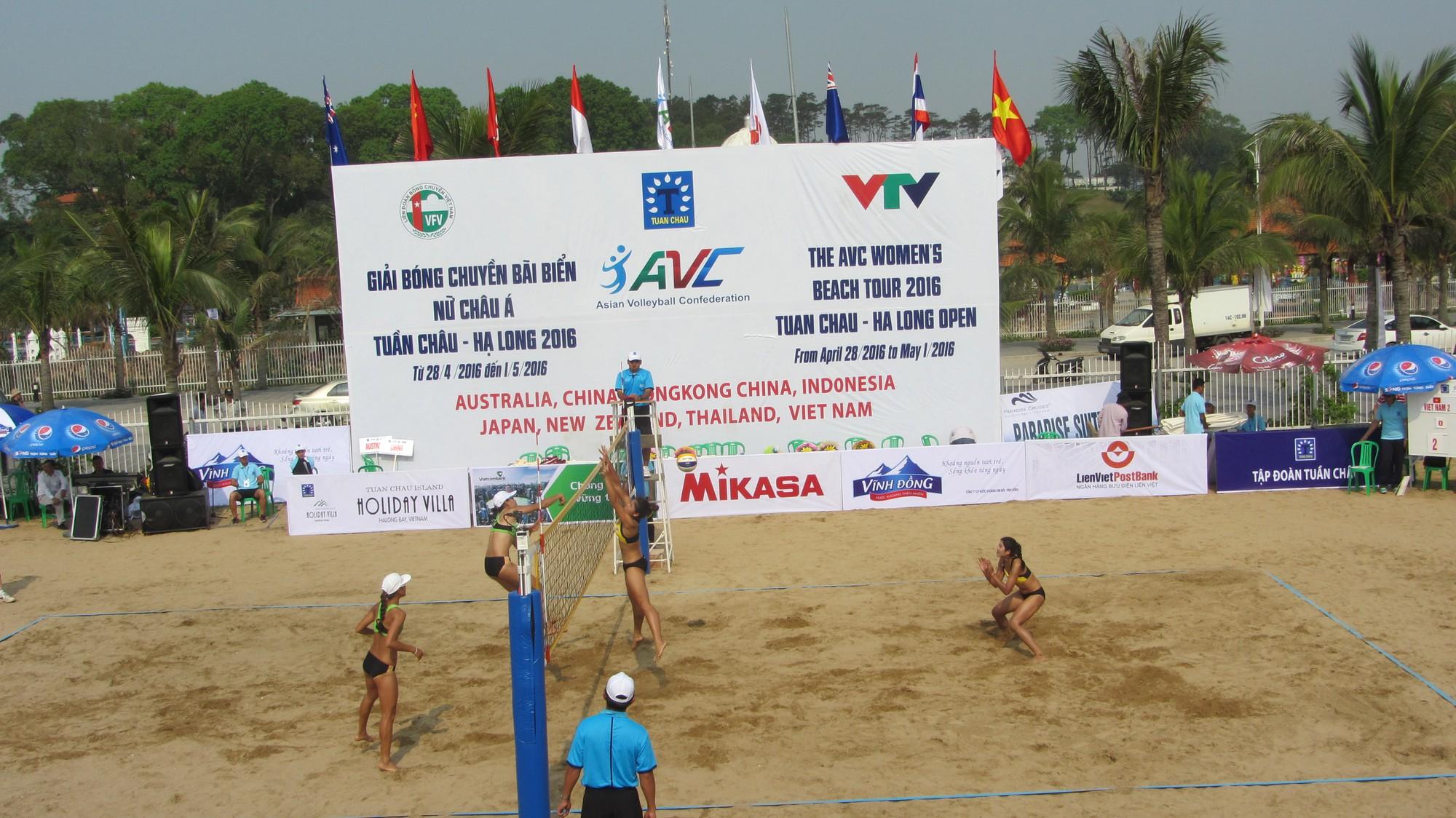 Ngày thi đấu đầu tiên của giải Bóng chuyền bãi biển nữ châu Á 2016. Ảnh: Internet