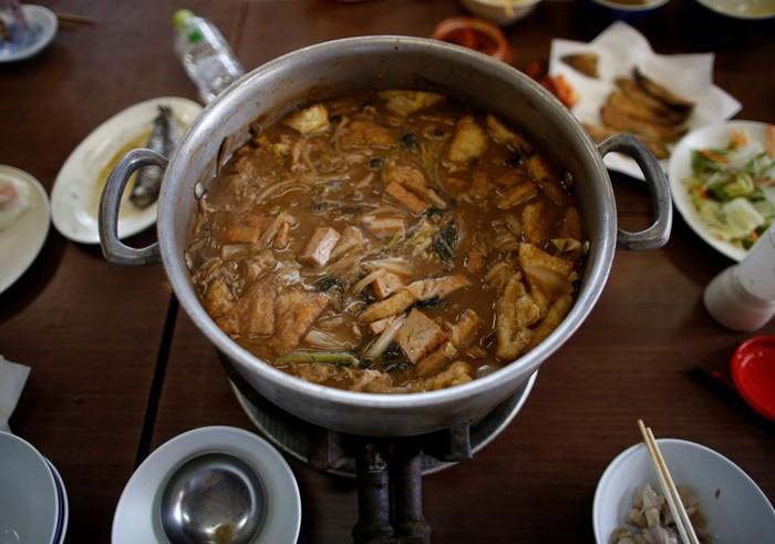 Lẩu ''chanko nabe'' là món ăn ưa thích của các võ sĩ sumo