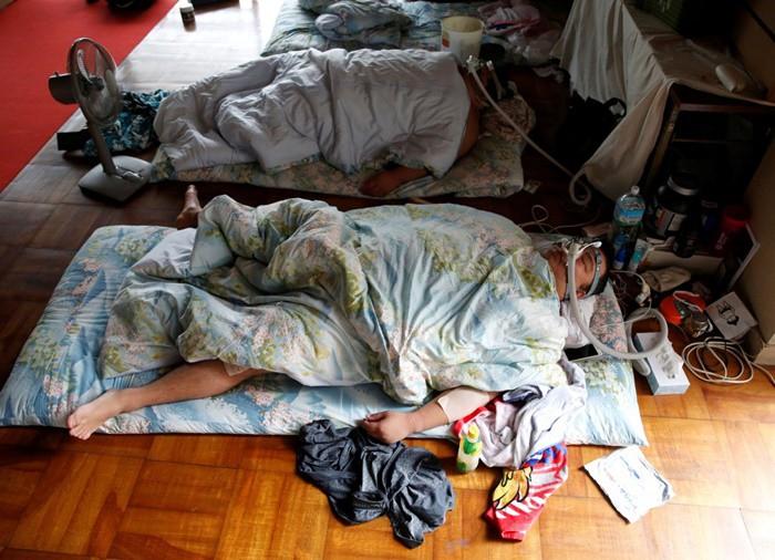 Để giữ cân, các võ sĩ sẽ đi ngủ ngay lập tức sau khi ăn