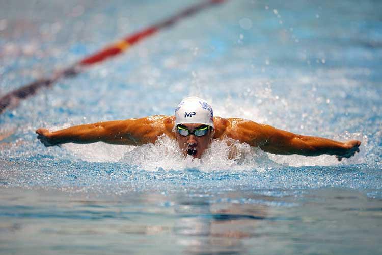 Không ai ăn kinh khủng như Michael Phelps