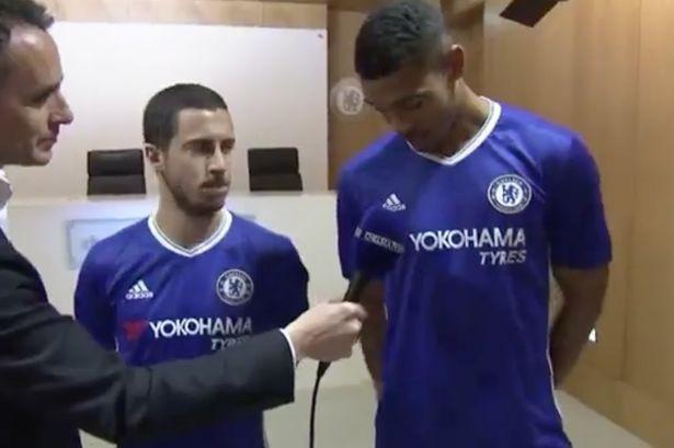 Eden Hazard ra mắt mẫu áo đấu mới của Chelsea trong sự kiện được chiếu trực tiếp trên Facebook