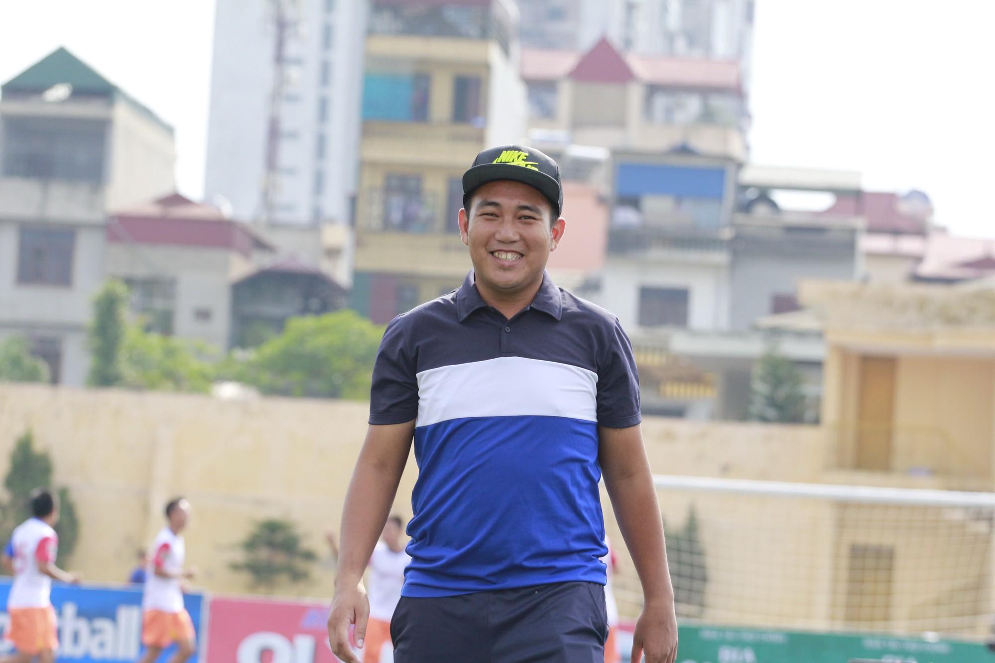 """Gương mặt sân phủi: Lưu Minh Đức - """"Người đi xây cầu"""""""