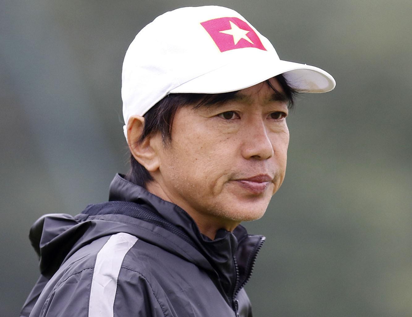 HLV Miura liên tục phải chịu những chỉ trích từ truyền thông