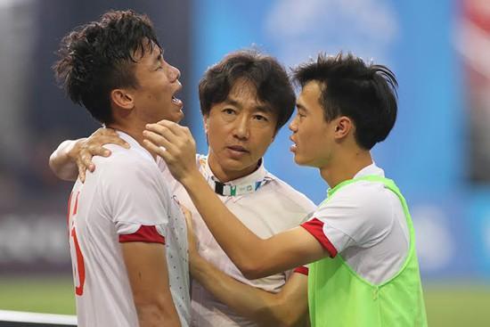 """HLV Miura và mục tiêu lọt vào tứ kết: Không """"nói cho vui"""" đâu!"""