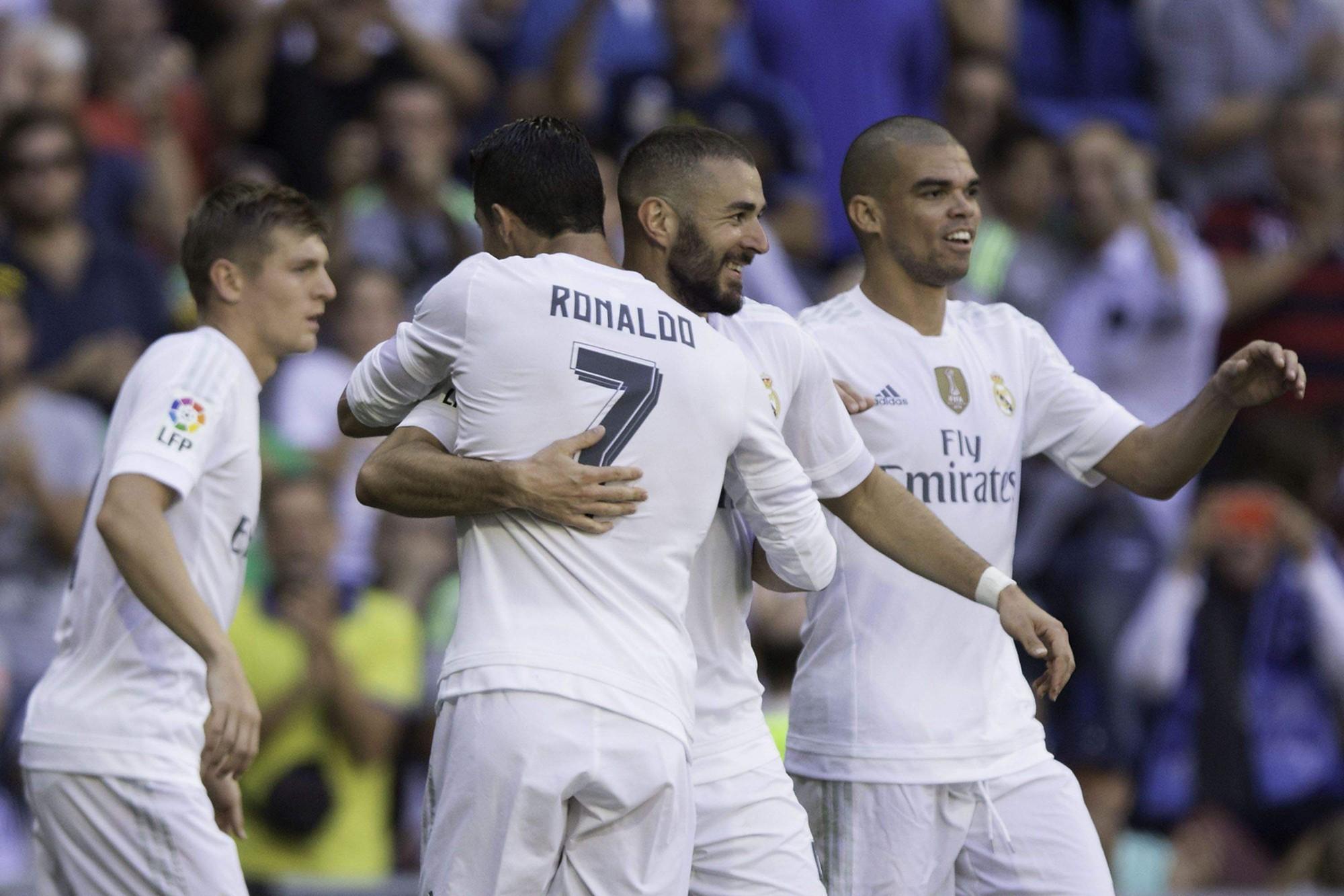 Barcelona phá kỷ lục vô tiền khoáng hậu của Real