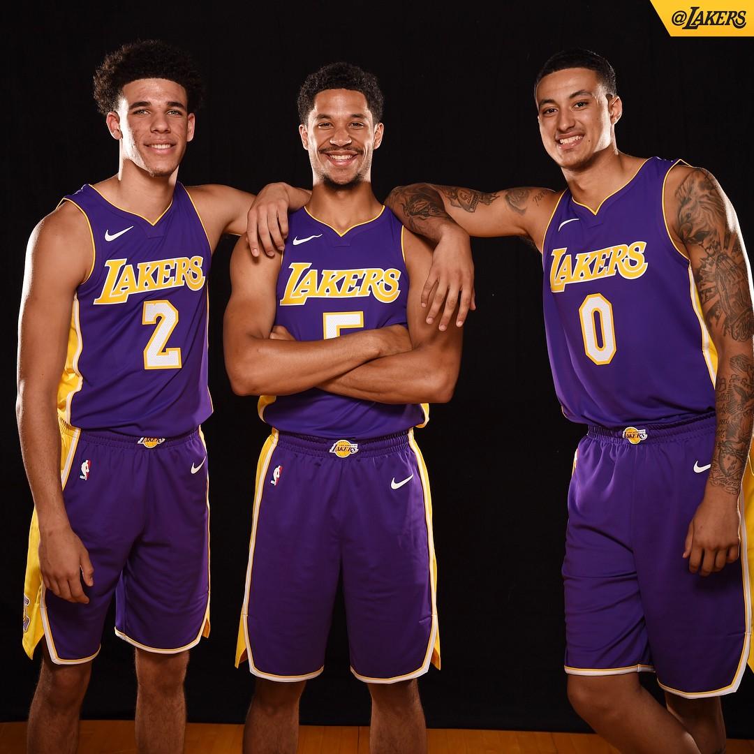 Người hâm mộ đang rất mong chờ Lonzo Ball tỏa sáng trong màu áo của Los Angeles Lakers.