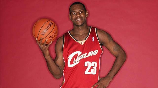Năm đầu trẻ trung của James tại NBA.