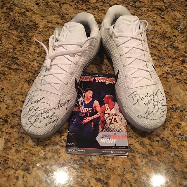 """Lời nhắn nhủ của Kobe dành cho đàn em: """"Be Legendary"""" (Hãy trở thành huyền thoại)"""