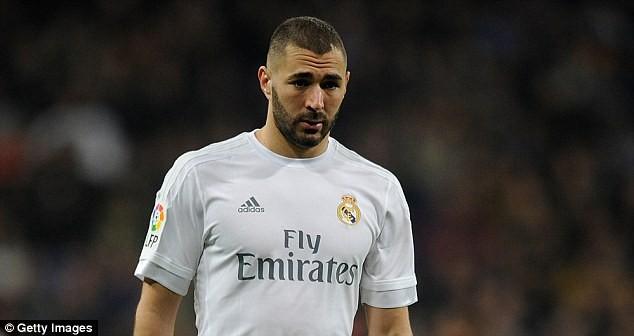 Mấy tháng qua có tin Real Madrid sẵn sàng bán Karim Benzema ở Hè 2016.