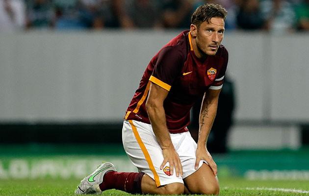 Roma chỉ muốn trả 1 triệu euro/năm cho Totti.