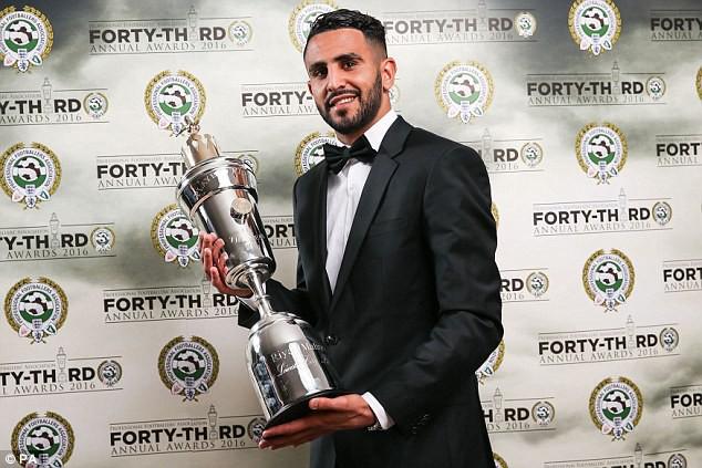 Khả năng Riyad Mahrez ở lại Leicester chỉ là 50-50.