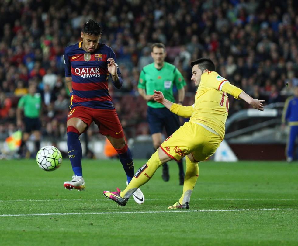 Phạm lỗi với Barcelona rất dễ bị đuổi!